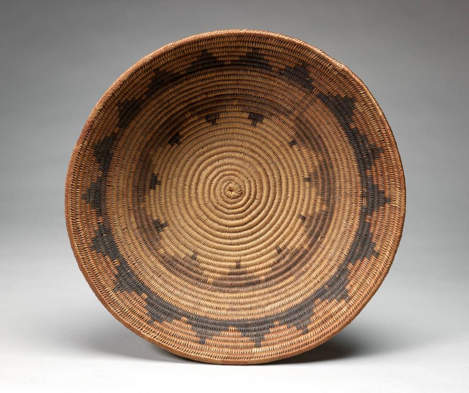 Basket with design
