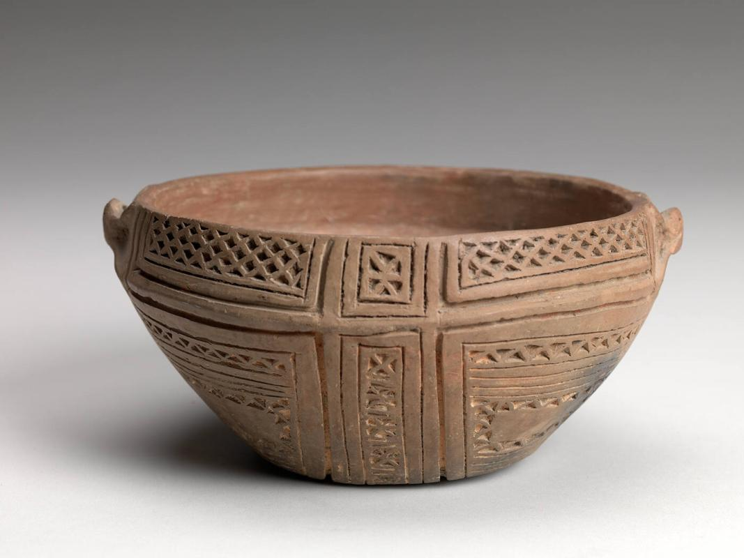 Flat bottomed Bowl with incising