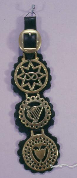 Horse Brass, Shoulder brass, Staffordshire Badge of Stafford Family