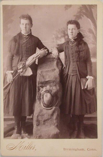 Portrait of sisters (standing)